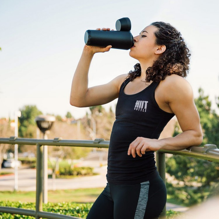 HIIT-Bottle-Rendering Protein Shaker by ANDESIGN